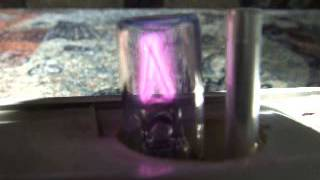 How does a fluorescent starter work?